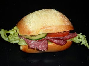Salami-Brötchen